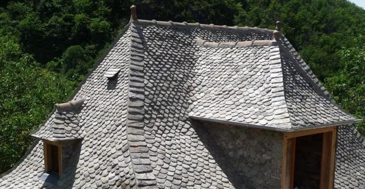 les toitures en lauzes du cantal re vivre la campagne. Black Bedroom Furniture Sets. Home Design Ideas